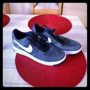 Nike FlyKnit Men's Sneakers